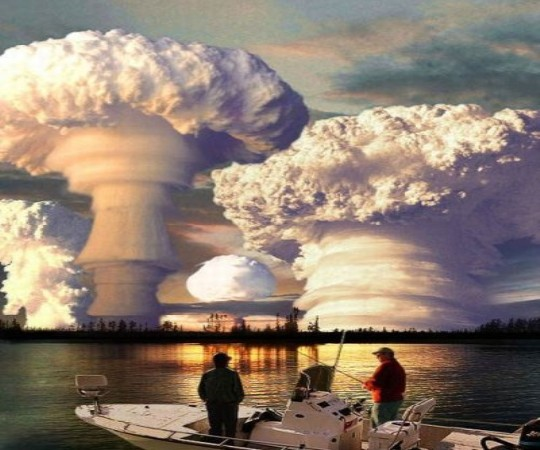 http://p21chong.files.wordpress.com/2010/03/nuclear-explosion.jpg